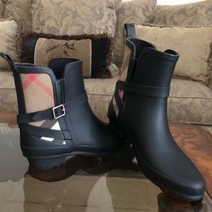 Burberry Low Cut Ankle Boot